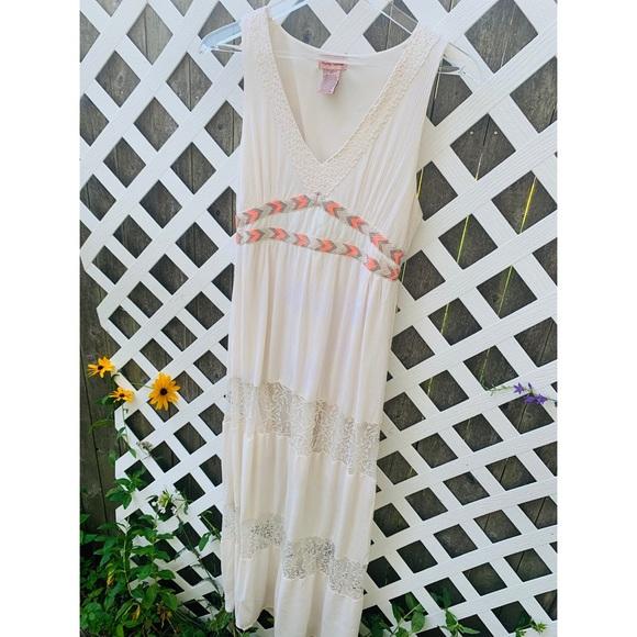 Flying Tomato Dresses & Skirts - FLYING TOMATO BOHO MAXI DRESS CREAM Crochet L